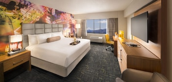 North Tower Luxury Room - 1 King Bed - Featured Image