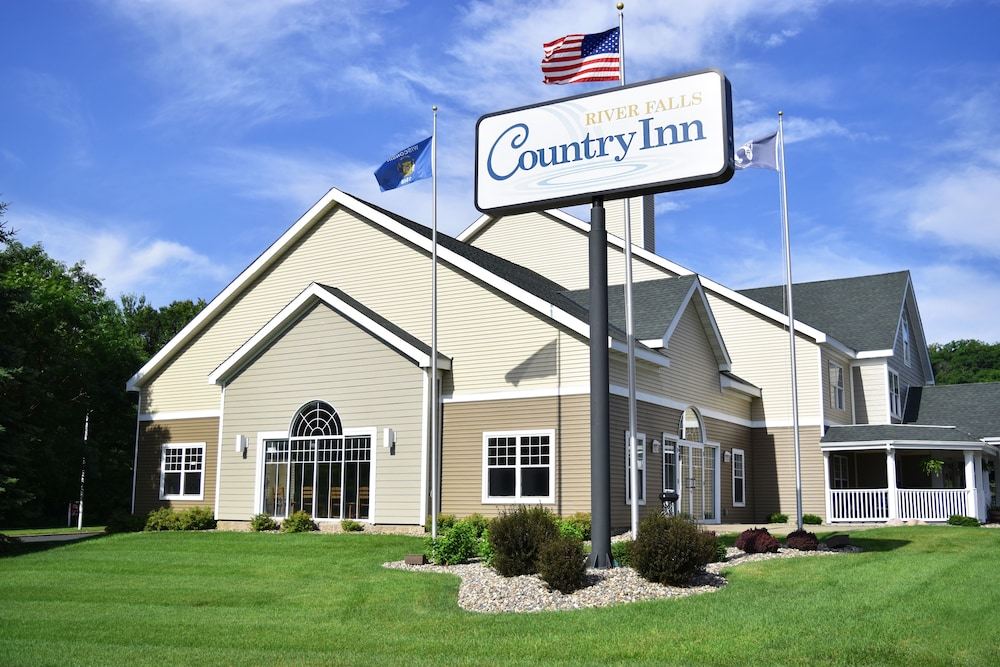 We have many rooms and amenities to offer here at Country Inn River Falls, as well as fully accessible rooms for your convenience.