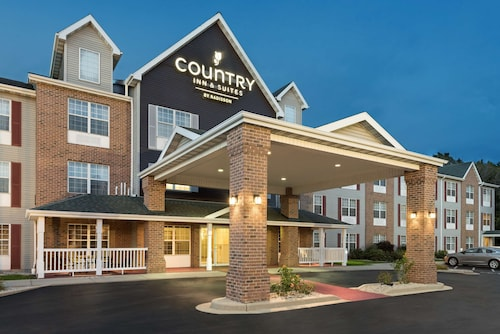 Country Inn & Suites by Radisson, Milwaukee Airport, WI
