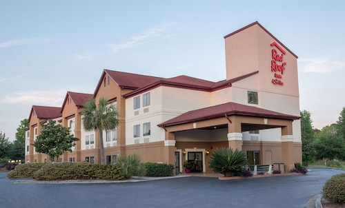 Red Roof Inn & Suites Savannah Gateway