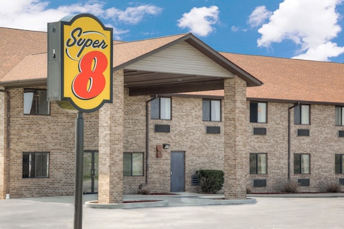 Super 8 by Wyndham Gas City Marion Area