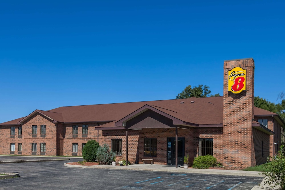 Super 8 By Wyndham Rochester - Reviews  Photos  U0026 Rates