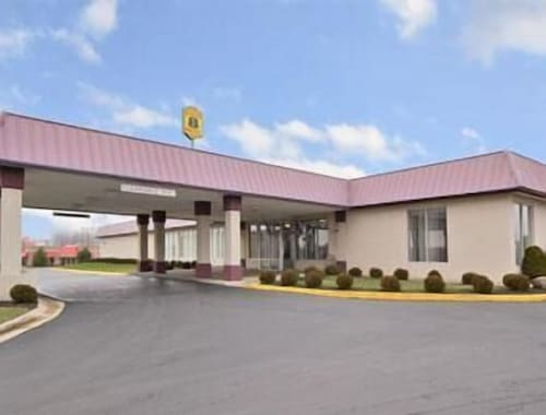 Check Expedia for Availability of Super 8 Motel - Springfield