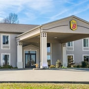 Super 8 by Wyndham Calvert City Kentucky Lake Area