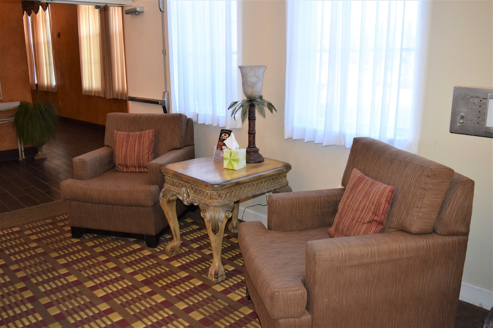 Lobby Sitting Area, Quality Inn Conference Center at Citrus Hills