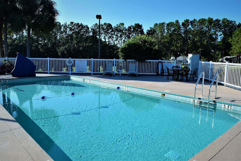 Outdoor Pool, Quality Inn Conference Center at Citrus Hills