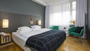 Allergitestet sengetøy, skrivebord, blendingsgardiner og lydisolert