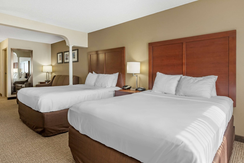 Room, Comfort Suites Grandville - Grand Rapids SW
