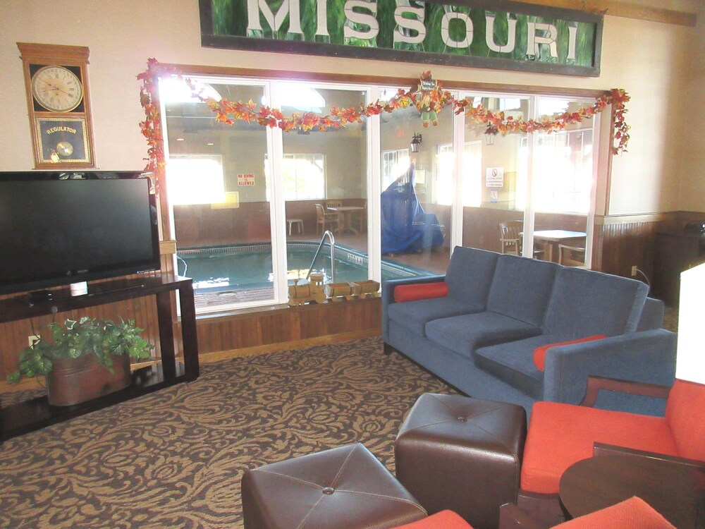 Lobby Sitting Area, Comfort Inn Marshall Station