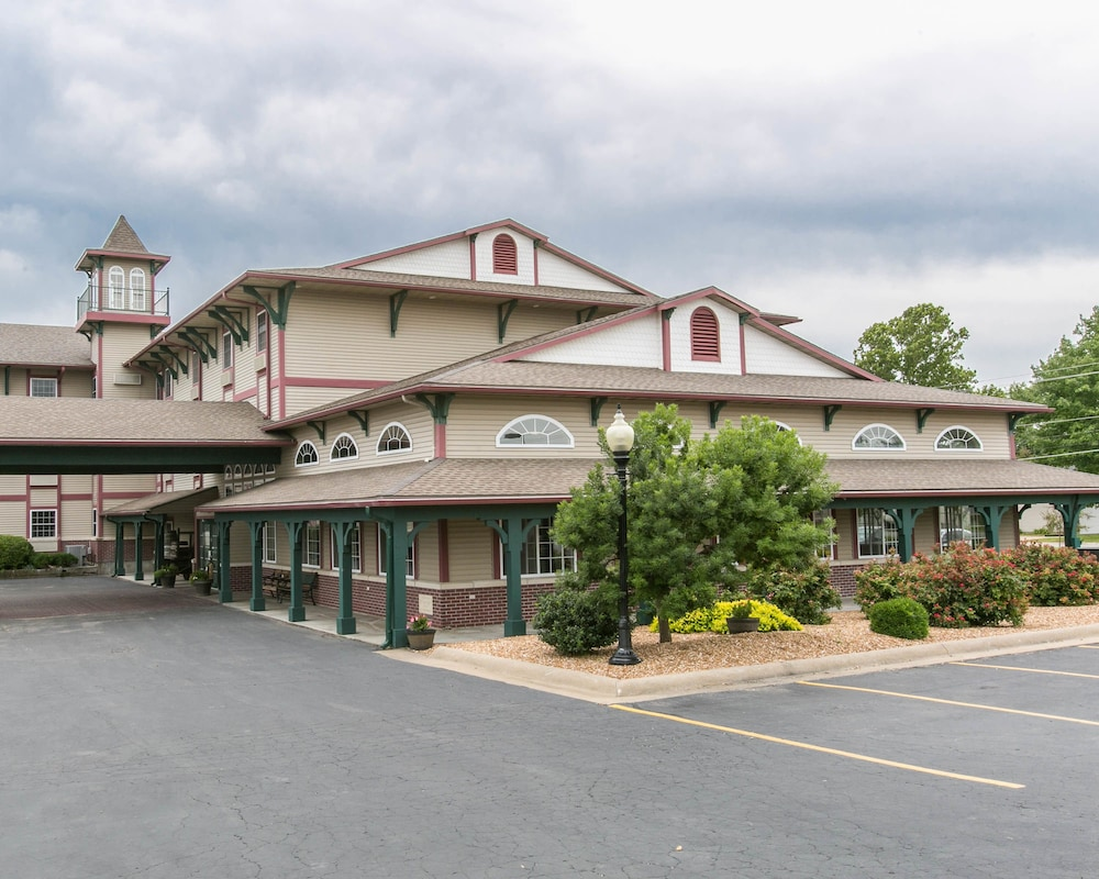 Front of Property, Comfort Inn Marshall Station