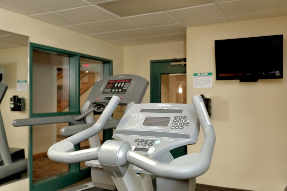 Fitness Facility, Lancaster Inn and Suites