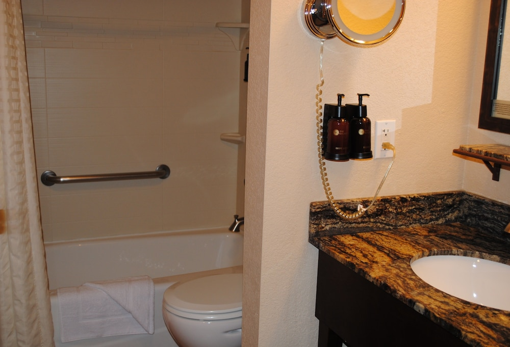 Bathroom, The Golden Hotel, Ascend Hotel Collection