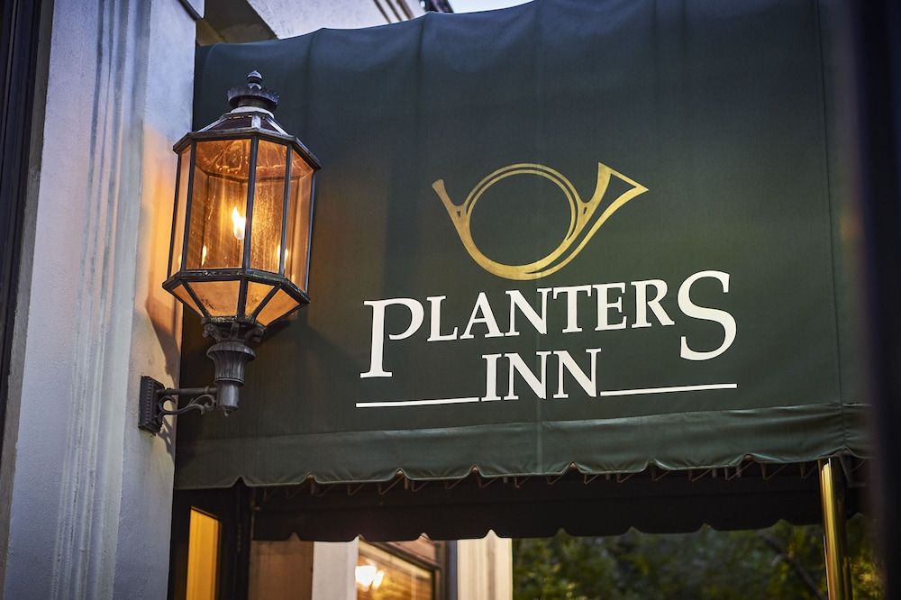 Exterior detail, Planters Inn on Reynolds Square