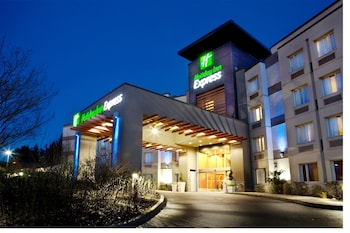 Holiday Inn Express & Suites Langley