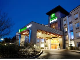 Holiday Inn Express & Suites Langley, an IHG Hotel