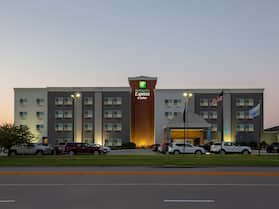 Holiday Inn Express Hotel & Suites Columbus, an IHG Hotel