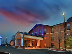 Holiday Inn Express & Suites Batesville, an IHG Hotel