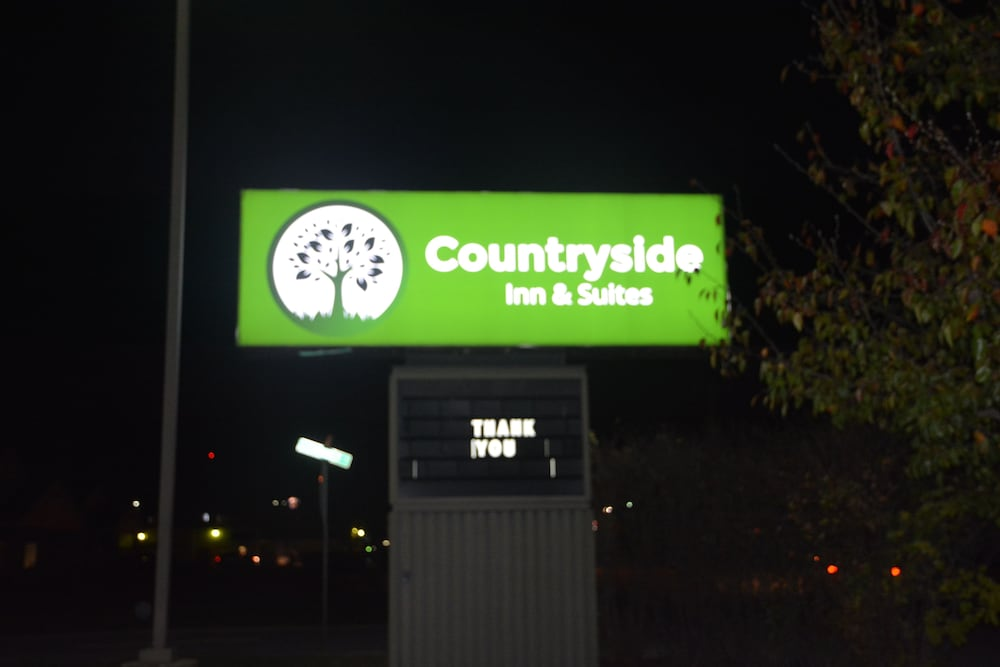 Exterior, Countryside Inn & Suites
