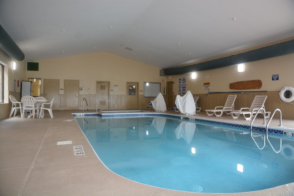 Indoor Pool, Countryside Inn & Suites