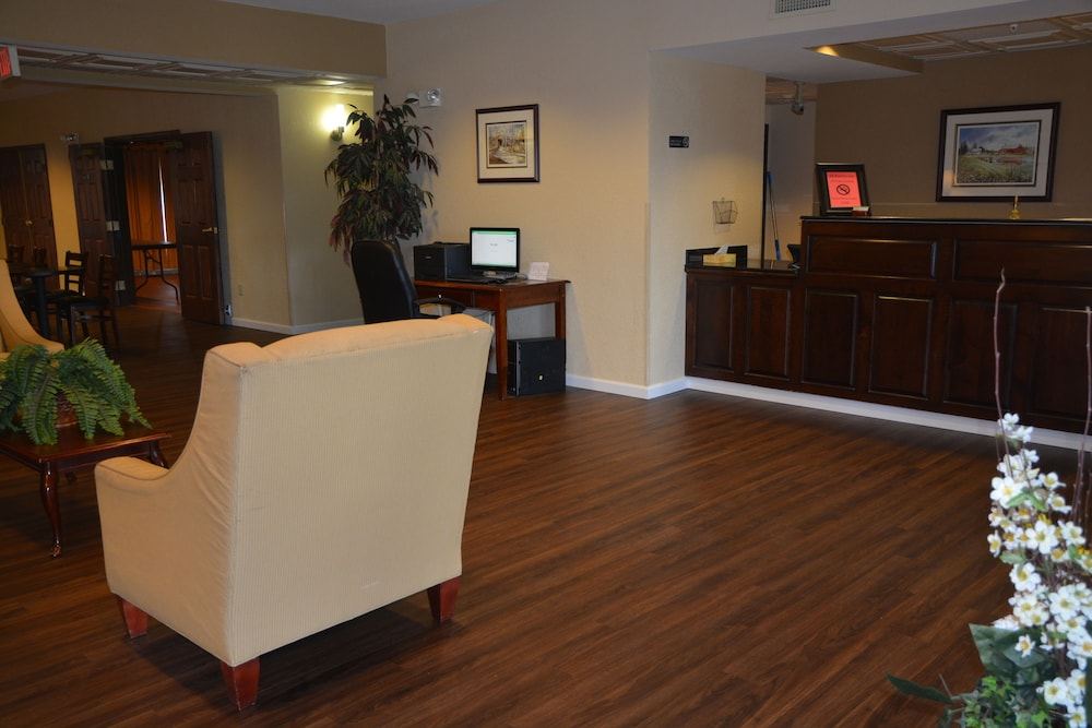 Reception, Countryside Inn & Suites
