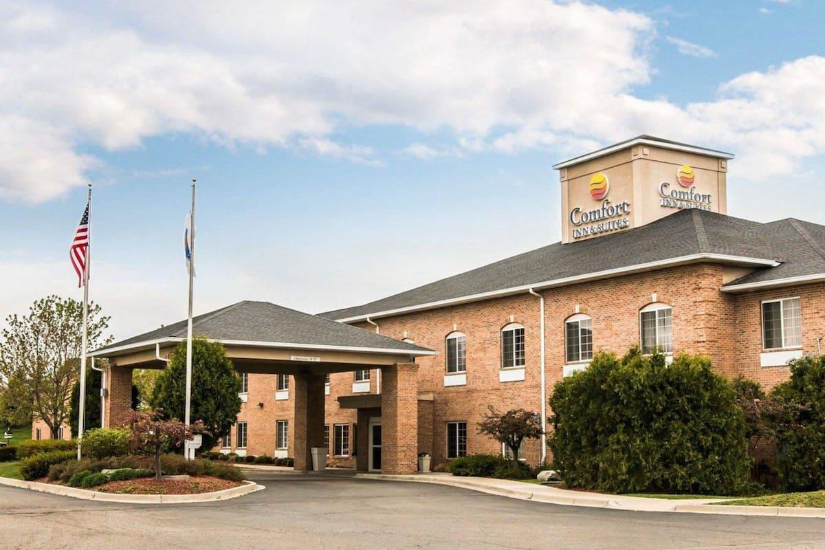 Comfort Inn Suites In Flint Mi Expedia