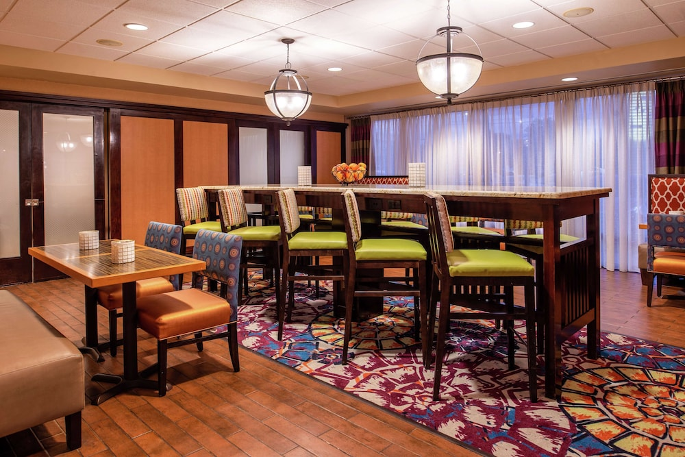Breakfast Area, Hampton Inn Albuquerque-University/Midtown