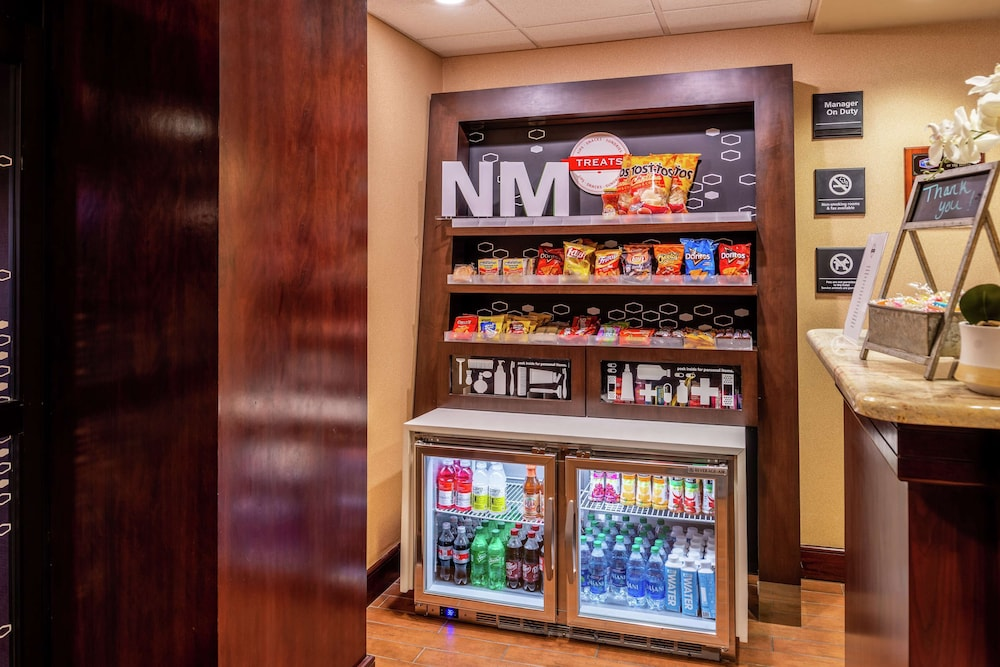 Snack Bar, Hampton Inn Albuquerque-University/Midtown