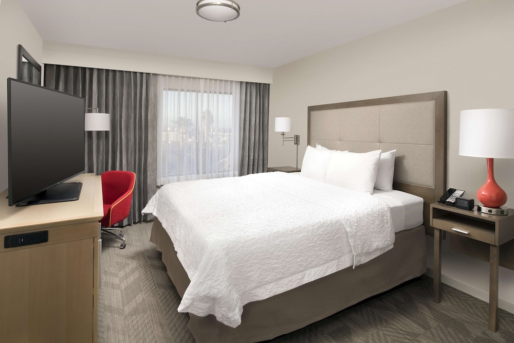 Room, Hampton Inn & Suites Anaheim/Garden Grove