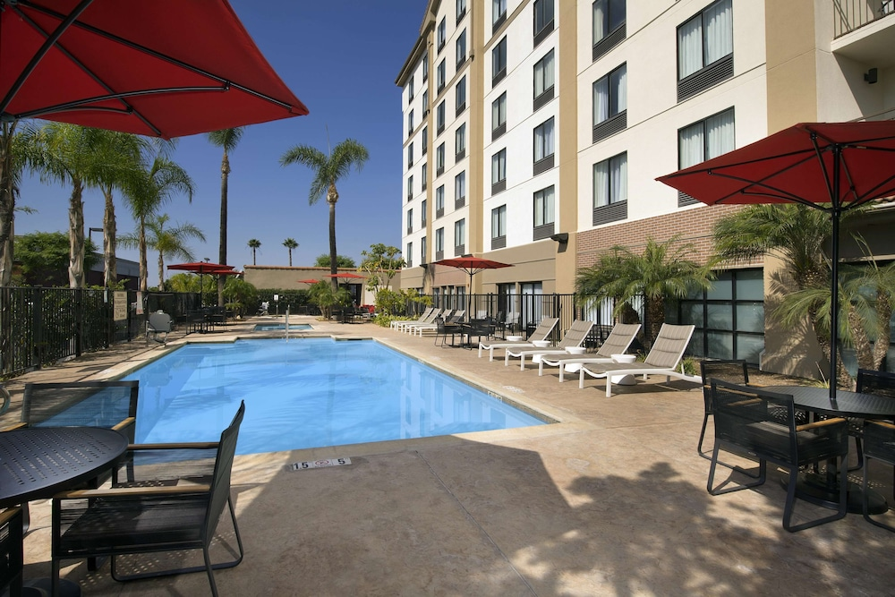 Pool, Hampton Inn & Suites Anaheim/Garden Grove