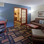 AmericInn Lodge And Suites Austin