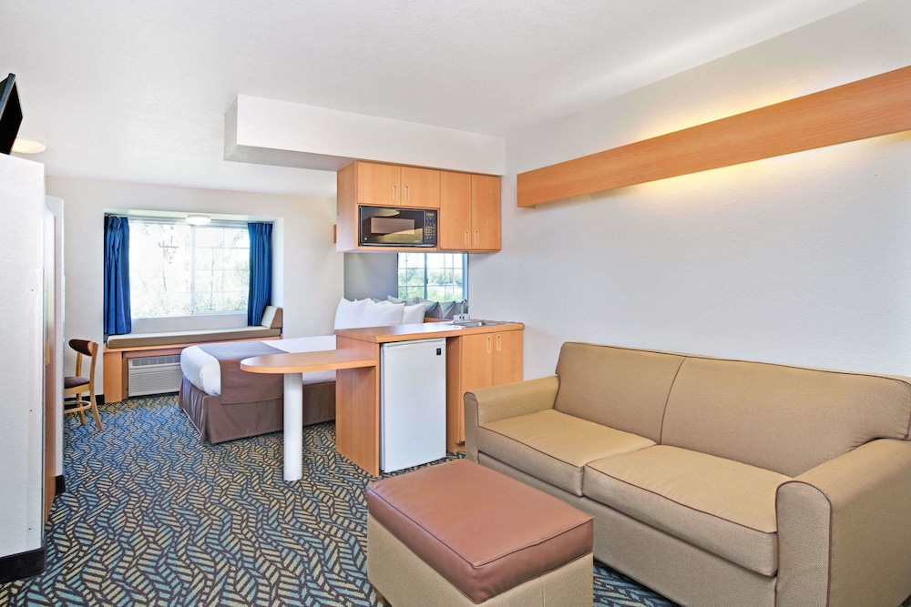 Room, Microtel Inn & Suites by Wyndham Morgan Hill/San Jose Area