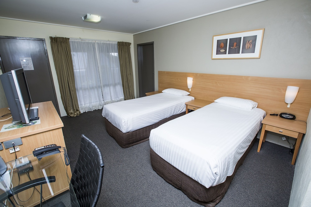 ibis styles canberra eaglehawk deals reviews canberra. Black Bedroom Furniture Sets. Home Design Ideas