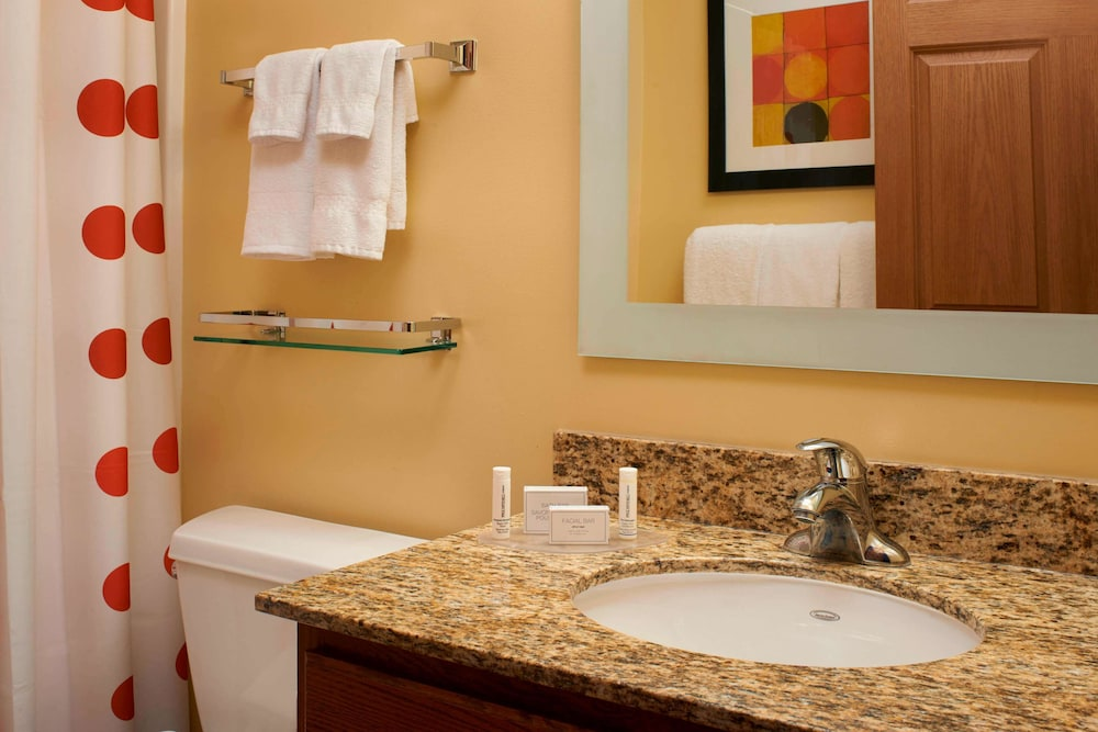 Bathroom, Sonesta Simply Suites Detroit Novi