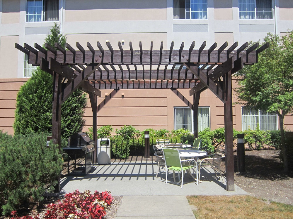 Terrace/Patio, Extended Stay America - Seattle - Bothell - Canyon Park
