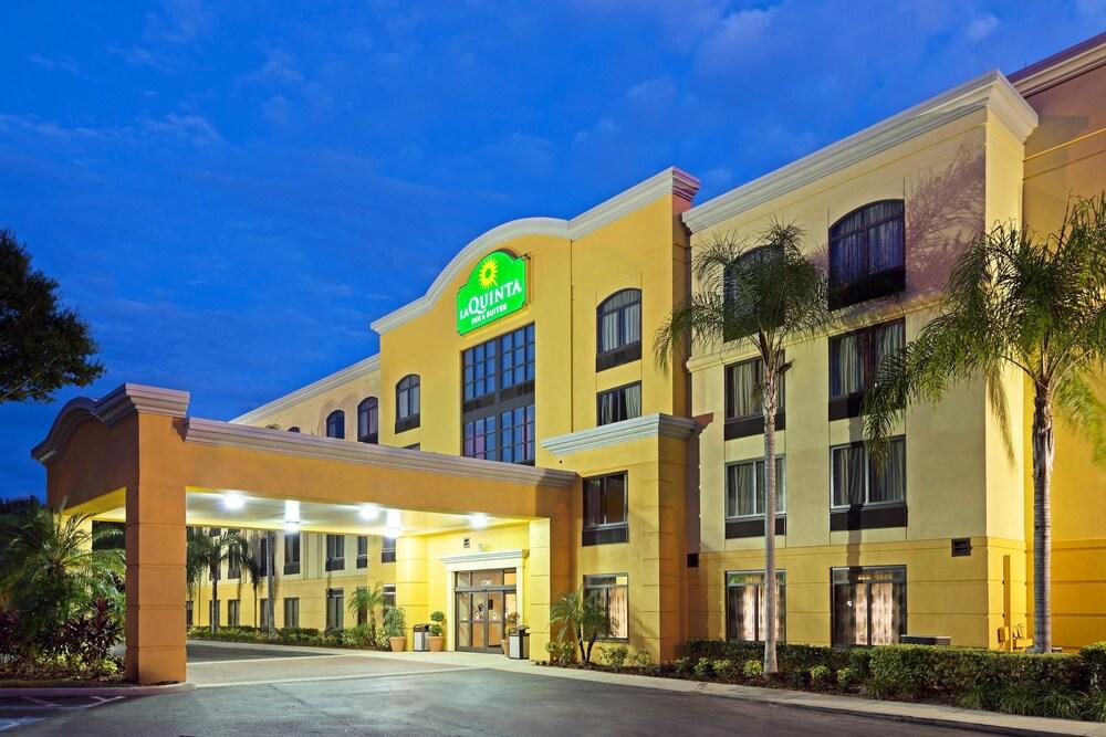 La Quinta Inn  U0026 Suites Tampa North I