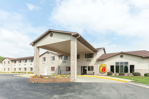 Super 8 by Wyndham Big Rapids
