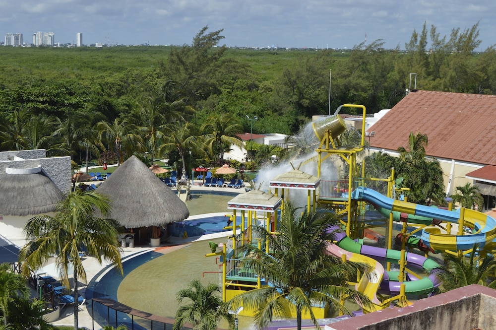 Waterslide, All Ritmo Cancun Resort & Water Park - All Inclusive