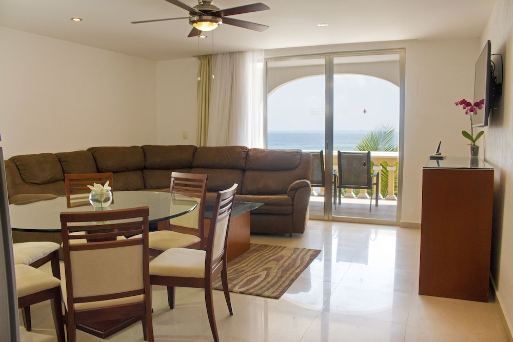 Living Room, All Ritmo Cancun Resort & Water Park - All Inclusive