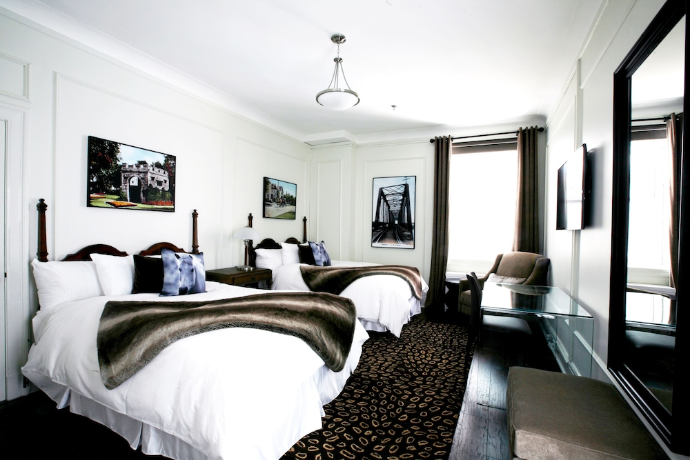 Room, The Fort Garry Hotel
