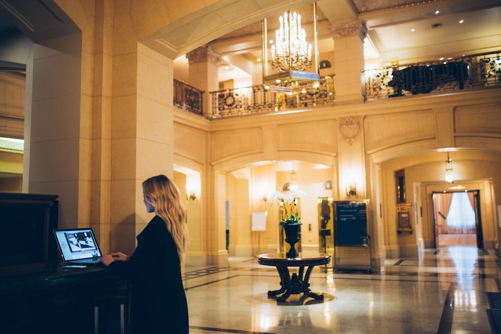 Lobby, The Fort Garry Hotel