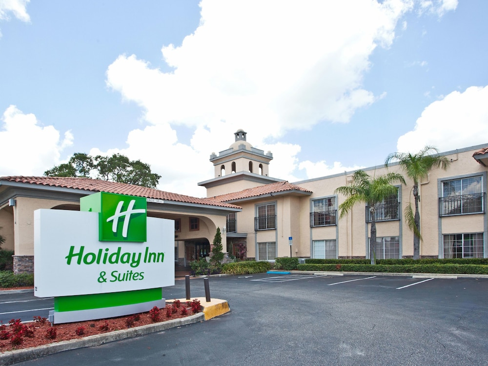 Holiday inn hotel suites tampa north busch gardens area reviews photos rates for Days inn tampa north of busch gardens