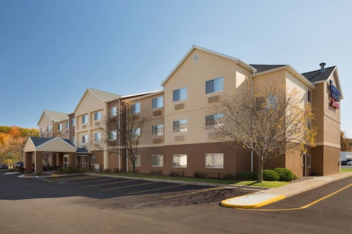 Great Place to stay Fairfield Inn & Suites Youngstown Boardman/Poland near Poland