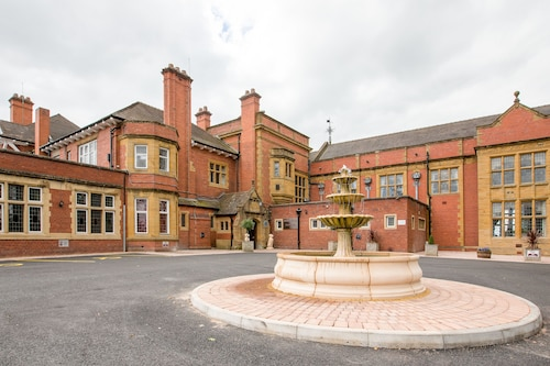 The Mount Hotel & Conference Centre