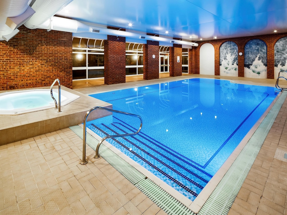 Mercure london watford hotel watford gbr expedia London hotels with swimming pool and gym