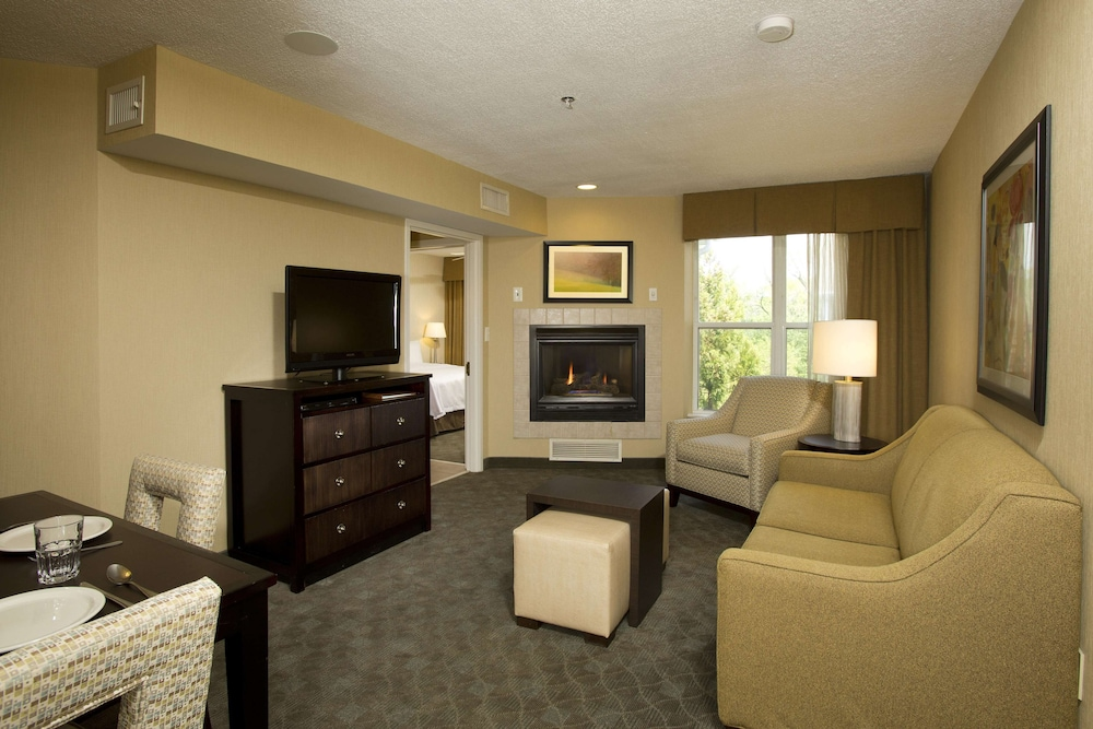 Living Area, Homewood Suites by Hilton Alexandria / Pentagon South