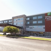 Holiday Inn Express & Suites Johnstown