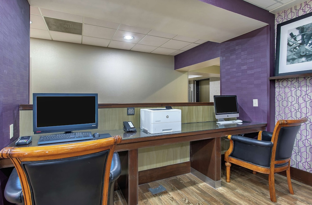 Business Center, Hampton Inn Cullman