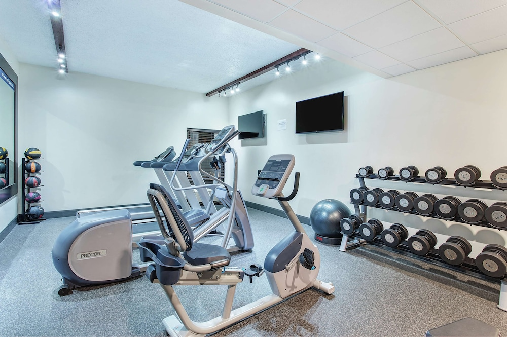Fitness Facility, Hampton Inn Cullman