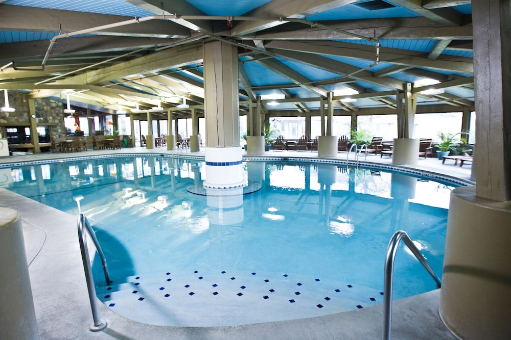 Indoor Pool, Lake Lawn Resort