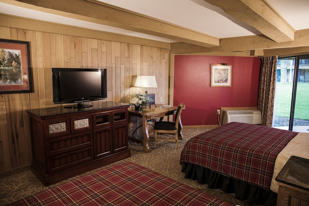Room, Lake Lawn Resort